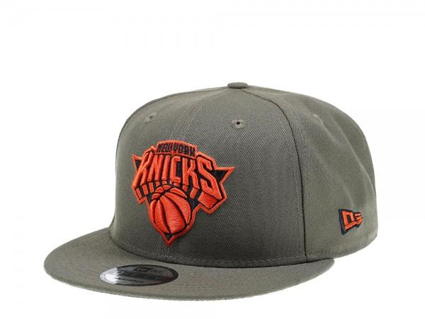 New Era New York Knicks Green x Orange Edition 9Fifty Snapback Cap